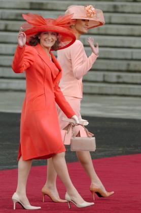 Fotografía de Paloma Rocasolano y Telma Ortiz durante la boda de los príncipes de Asturias.