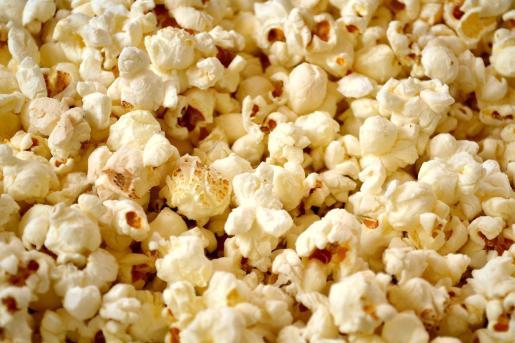 Imagen de un bol de palomitas de maíz.