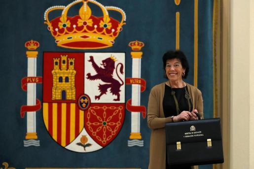 Acto de toma de posesión de la ministra de Educación y Formación Profesional, Isabel Celaá, este lunes en la sede del ministerio.