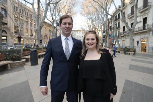 El director Rafael Cortés y la productora Danielle Turkov.
