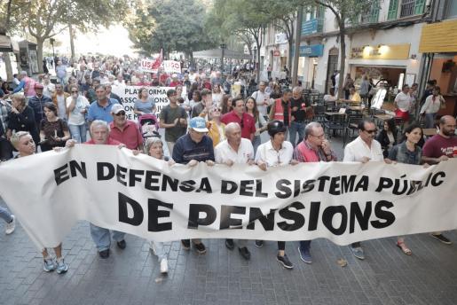 Los pensionistas salen a la calle para exigir una retribución digna.