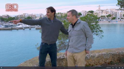Nadal explicó al periodista que, en verano, los jóvenes saltan desde un peñasco al que se accede por la parte de la propiedad que linda con el mar.