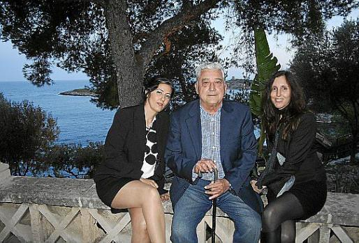 Lourdes de la Rosa, Pepe Oliver y Ana Yturralde.