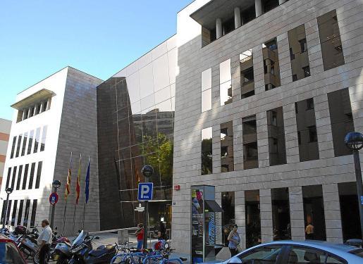 Fachada del Instituto Nacional de la Seguridad Social en Palma.