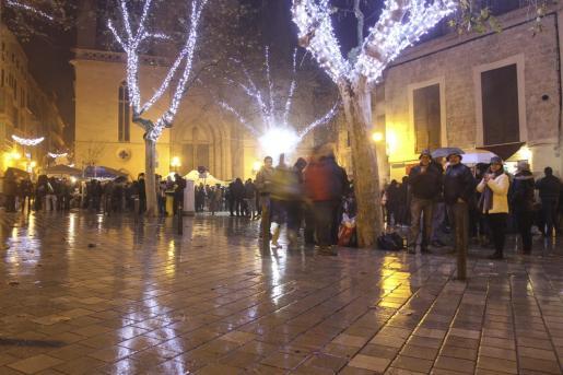 El temporal complica las celebración de las fiestas de Sant Sebastià.