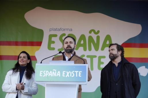 Santiago Abascal, Rocío Monasterio e Iván Espinosa de los Monteros, en una reciente imagen.