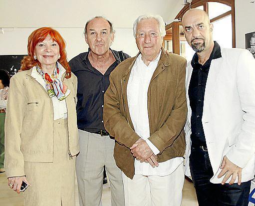 Consuelo Vázquez, Oscar Pipkin, Javier Benavente y Luis Romallo.