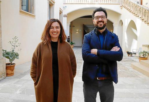 Catalina Solivellas y Mateu Malondra presentaron la nueva Fira B! en Ca n'Oleo.