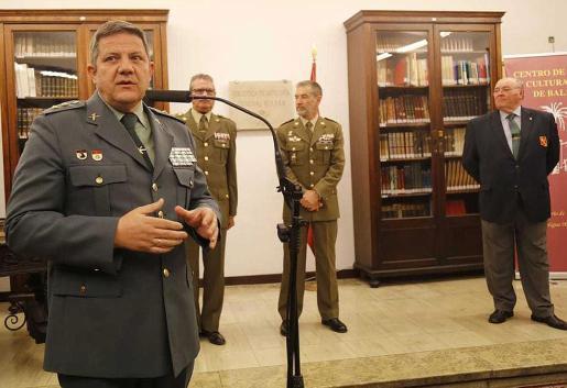 El teniente coronel Antonio Orantos, durante la presentación.