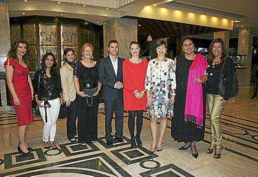 Yolanda Talavera, Manisha Budhrani, Antonia Vanrell, Tania Frau, Juan Luis Ragel, Margalida Prohens, María José Frau, Luisa Zarate y Gema Muñoz.