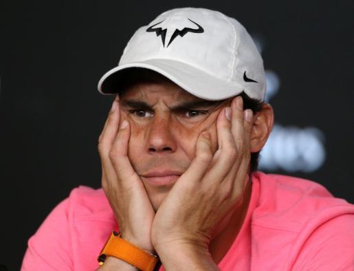 Rafael Nadal atiende a una pregunta durante la rueda de prensa oficial del Open de Australia.