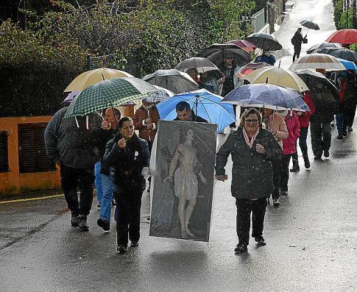 La comitiva desfiló por las calles del centro de es Capdellà.