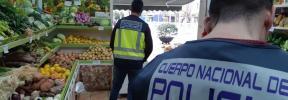 Detenido en Palma el dueño de dos fruterías que no permitía librar a sus trabajadores