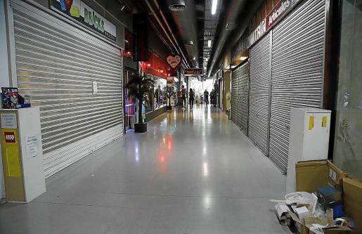 Interior de las galerías comerciales de la Plaça Major de Palma.