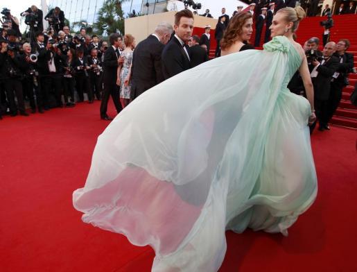 La actriz Diane Kruger, miembro del jurado, impresionó en la alfombra roja.