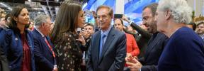 La Reina Letizia se preocupa por la quiebra de Thomas Cook en Fitur