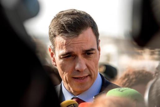 El Presidente del Gobierno de España, Pedro Sánchez, durante su visita a Cala Rajada.