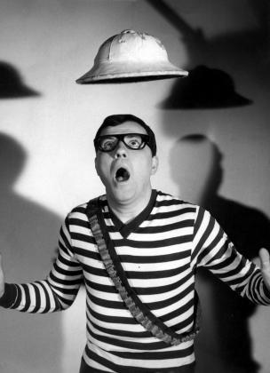 """Foto de archivo sin fecha del actor Félix Casas, recordado principalmente por su papel como el Capitán Tan en la serie de Televisión Española """"Los Chiripitifláuticos""""."""
