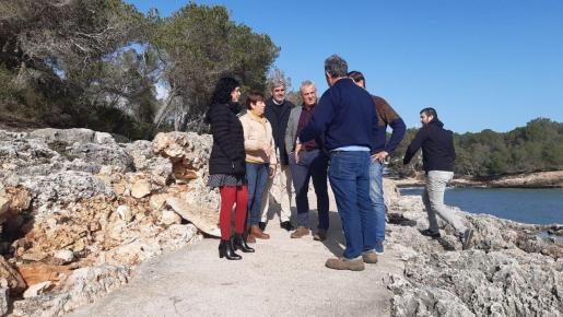 La alcaldesa de Santanyí, Maria Pons, acompañó a la consellera Isabel Castro y a los consellers insulares Alzamora y Colom.