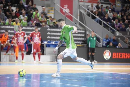 Ximbinha, en un momento del partido ante ElPozo Murcia.