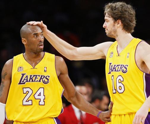 Kobe Bryant y Pau Gasol, durante un partido de Los Angeles Lakers.