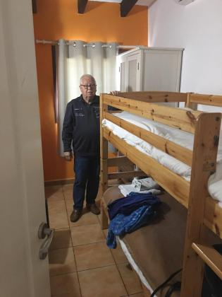 Ramón, desahuciado de su vivienda después de 50 años, en una residencia de Palma.