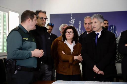 El ministro del Interior, Fernando Grande-Marlaska, durante su visita al centro de coordinación de Sóller.
