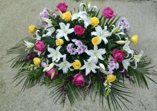 Enviocoronas es una compañía que nació con la esperanza de surtir arreglos florales a todos los velorios en nuestro país.