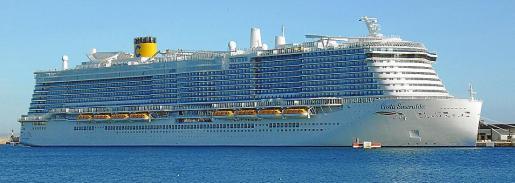 El 'Costa Smeralda', nuevo gigante turístico de 185.000 toneladas mide 337 metros de eslora y puede alojar a 6.554 turistas.