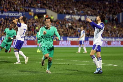 El delantero del Real Madrid Lucas Vázquez celebra su gol, segundo del equipo ante el Real Zaragoza.