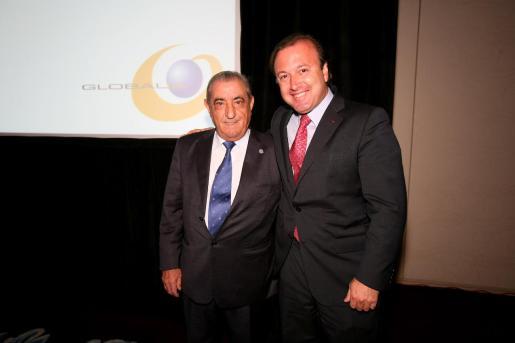 El presidente de Air Europa, Juan José Hidalgo, con Joan Mesquida, secretario de Estado de Turismo.