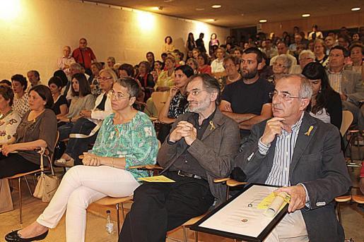 Cristòfol Soler, junto a Jaume Mateu y Antonia Fornés.