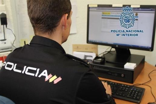 La Policía Nacional subraya que aunque lo más habitual es que esta información se consiga a través de un correo malicioso