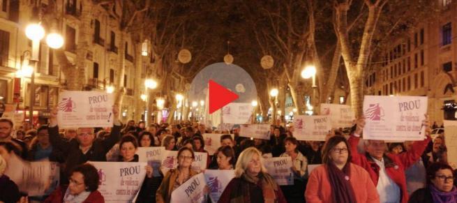 Clamor contra la violencia machista tras el asesinato de Sacramento Roca