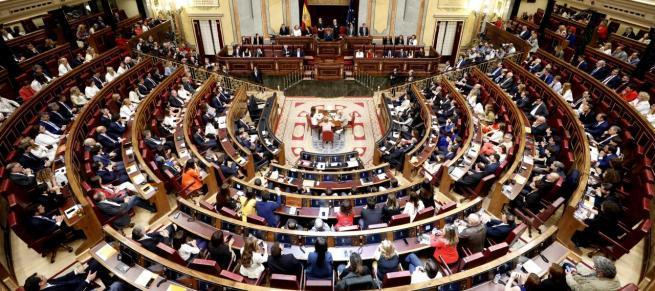 Arranca la XIII Legislatura con la protesta por los diputados presos y la presencia de Vox
