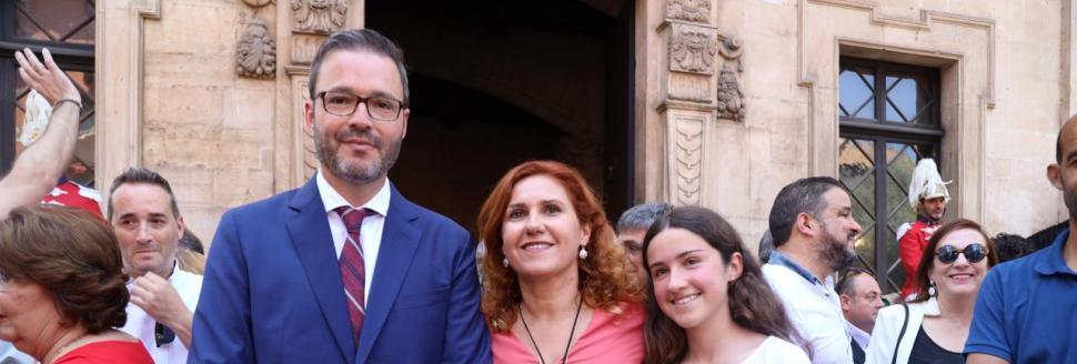 Hila promete mejorar los servicios públicos tras ser proclamado alcalde de Palma