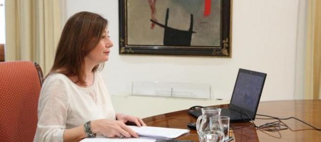 Armengol pide al Gobierno un plan para relanzar el sector turístico en Baleares
