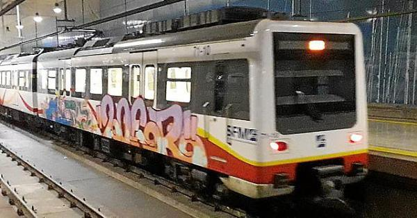 Grafiteros hacen una 'quedada' para asaltar la Intermodal y pintar los trenes