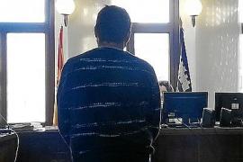 Condenado a tres años y medio por el atraco frustrado en una panadería de Palma