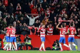 Un doblete de Soldado mete al Granada en semifinales de la Copa del Rey y apea al Valencia