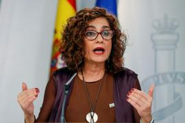 La ministra de Hacienda advierte a las comunidades que es «una roca para las amenazas»