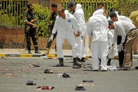 Un atentado suicida de Al Qaeda deja más de 70 militares muertos en Yemen