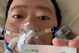 Muere por coronavirus Li Wenliang, uno de los médicos que trató de advertir sobre la aparición del virus