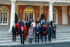 Sánchez se va de retiro con sus ministros