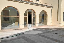 La paja, principal material para las cubiertas de la nueva escoleta de Sant Joan