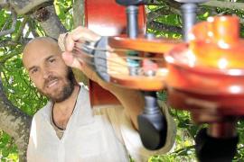 Imagen de archivo del conocido violonchelista y compositor mallorquín Miguel Àngel Aguiló
