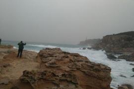 Siguen buscando en Ibiza al joven desaparecido durante la borrasca 'Gloria'