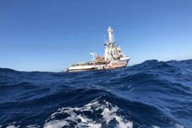 El 'Open Arms' inicia el regreso a España y la ONG estudiará si repara o sustituye el barco