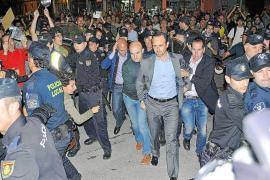Govern y oposición no logran consensuar la condena a la violencia