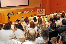 Médicos y enfermeros donarán sangre antes de que se la 'chupe' el Govern